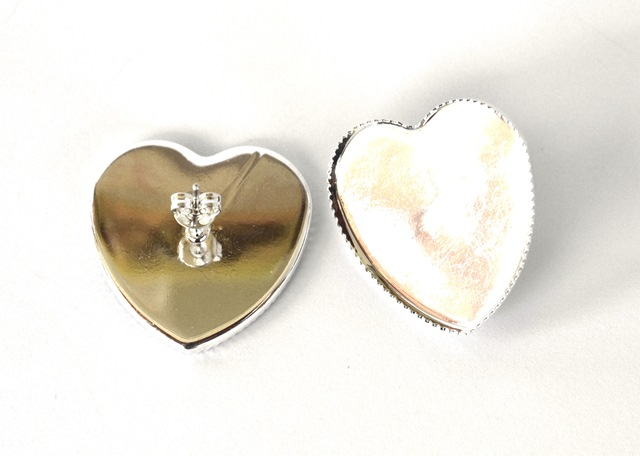 01dcc5ed8 Náušnicové lôžka, tvar srdce VEĽKÉ, strieborná farba - 1 pár + kovové zarážky  empty
