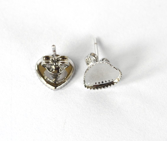 d2cc653a7 Náušnice - lôžka, tvar srdce, platinová farba - 1 pár + kovové zarážky