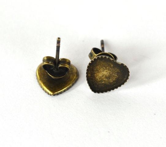 b834bbc26 Náušnice - lôžka, tvar srdce, starobronz. farba - 1 pár + kovové zarážky  empty